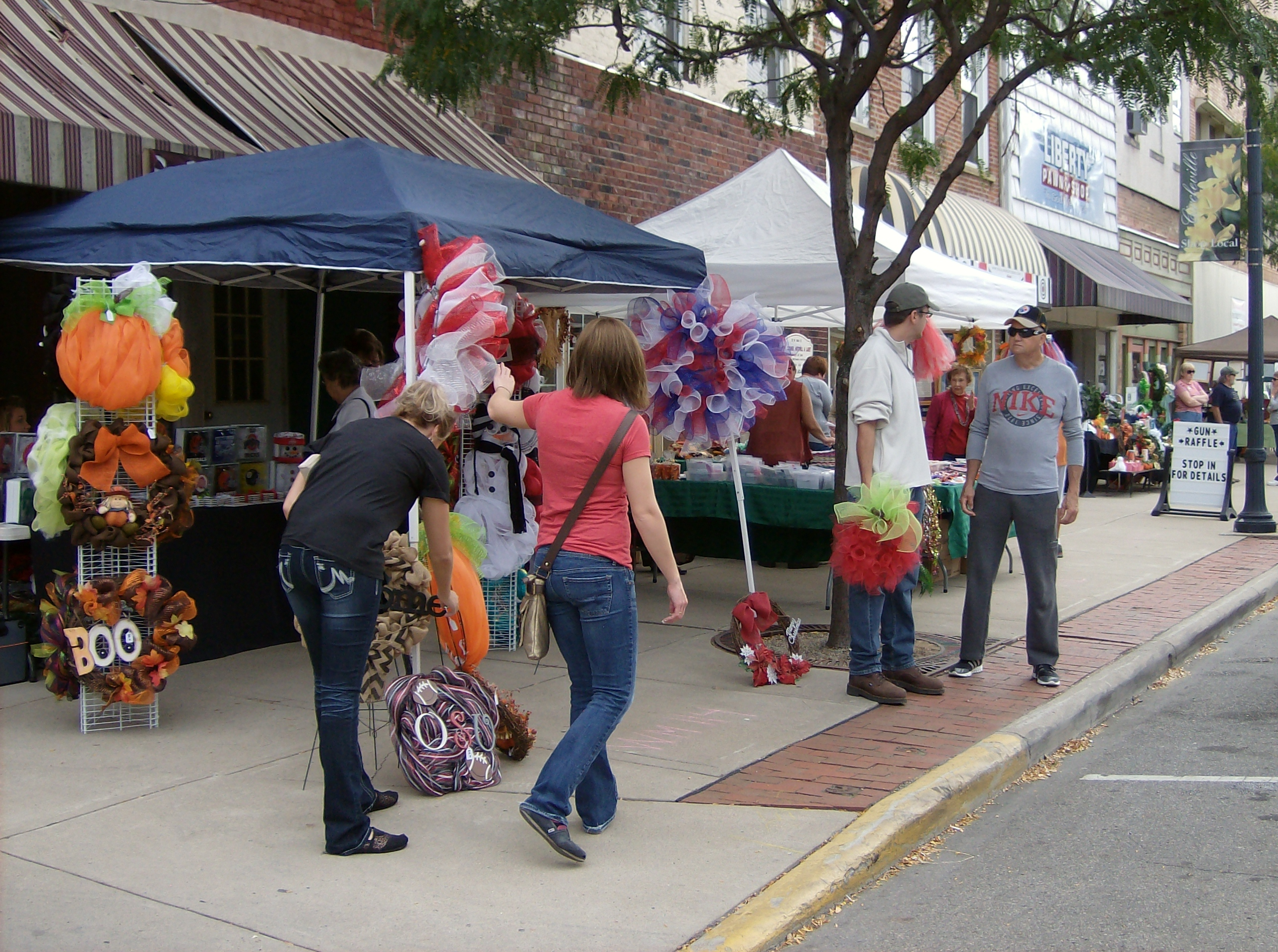 Arts, Crafts and Antiques Festival